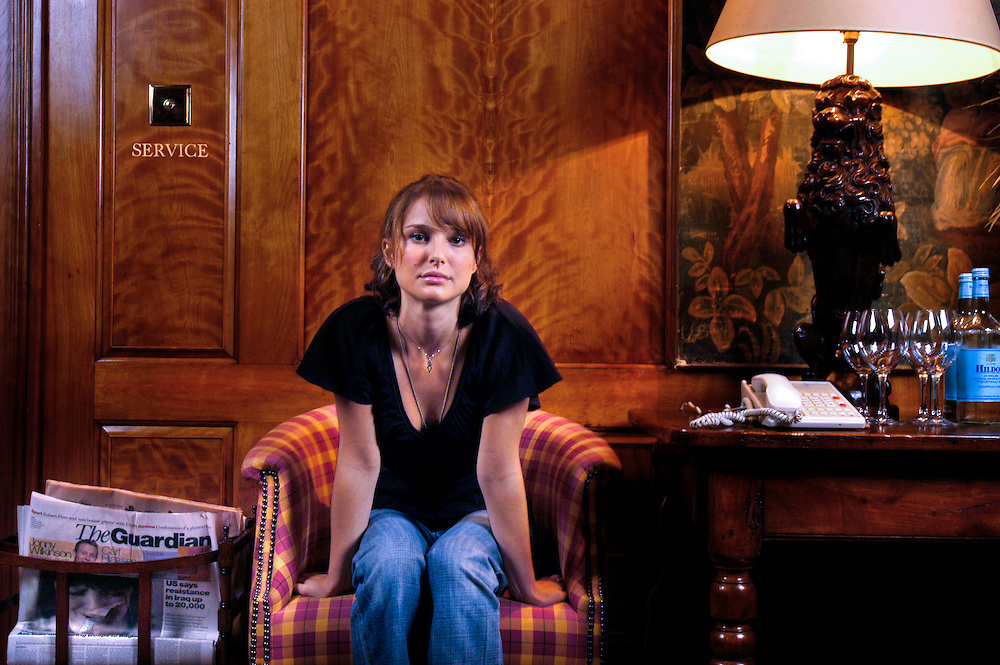 UK. London. American actress Natalie Portman, in London to promote her new film 'Garden State'. Photographed in the 'library' in The Covent Garden Hotel..Photo©Steve Forrest/IWorkers' Photos