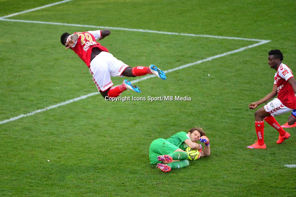 Simon POUPLIN / Grejonh KYEI- 12.04.2015 - Reims / Nice - 32eme journee de Ligue 1 <br />Photo : Dave Winter / Icon Sport