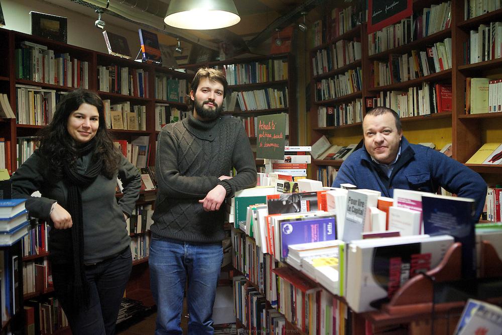 Samia, Hugues et Raul (à droite), l'équipe de la librairie Envie de Lire, Ivry-sur-Seine.