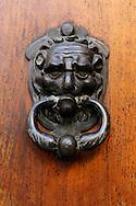 France, Languedoc Roussillon, Gard (30), Uzège, Uzès, Hôtel de Rosier, porte d'entrée, heurtoir