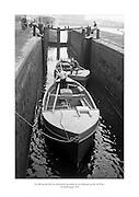 24 Meitheamh 1959<br /> Na b&aacute;id ag dul tr&iacute;d loc deireanach na can&aacute;la ar an mbealach go dt&iacute; An Rinn. <br /> <br /> The boats pass through the last canal lock before Ringsend