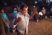 People talk in a public assembly convened to organize their justice group, named Citizen Council and inspired in the Community Police.  Huamuxtitl·n communities, conformed more from mestizo people, started their own community police group in 2011, after living kidnappings in the town in complicity with local authorities, including ministerial police and mayoress.  / Personas hablan en una asamblea p?blica convocada para organizar su grupo de justicia, llamado Consejo Ciudadano e inspirado en la PolicÌa Comunitaria. Las comunidades de  Huamuxtitl·n comenzaron su propio grupo de justicia en 2011, llamado Consejo Ciudadano e inspirado en la PolicÌa Comunitaria, despuÈs de sufrir secuestros en complicidad con autoridades locales que incluÌan a la policÌa ministerial y la alcaldesa. (Photo: Prometeo Lucero)