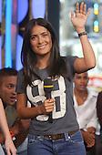9/12/2003 - GI - Salma Hayek on MTV TRL