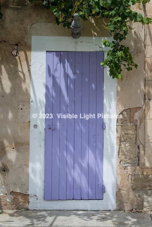 Lavender colored door in Gordes.
