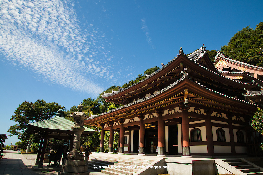 Hase-Dera Temple, Kamakura  John Lander Photography