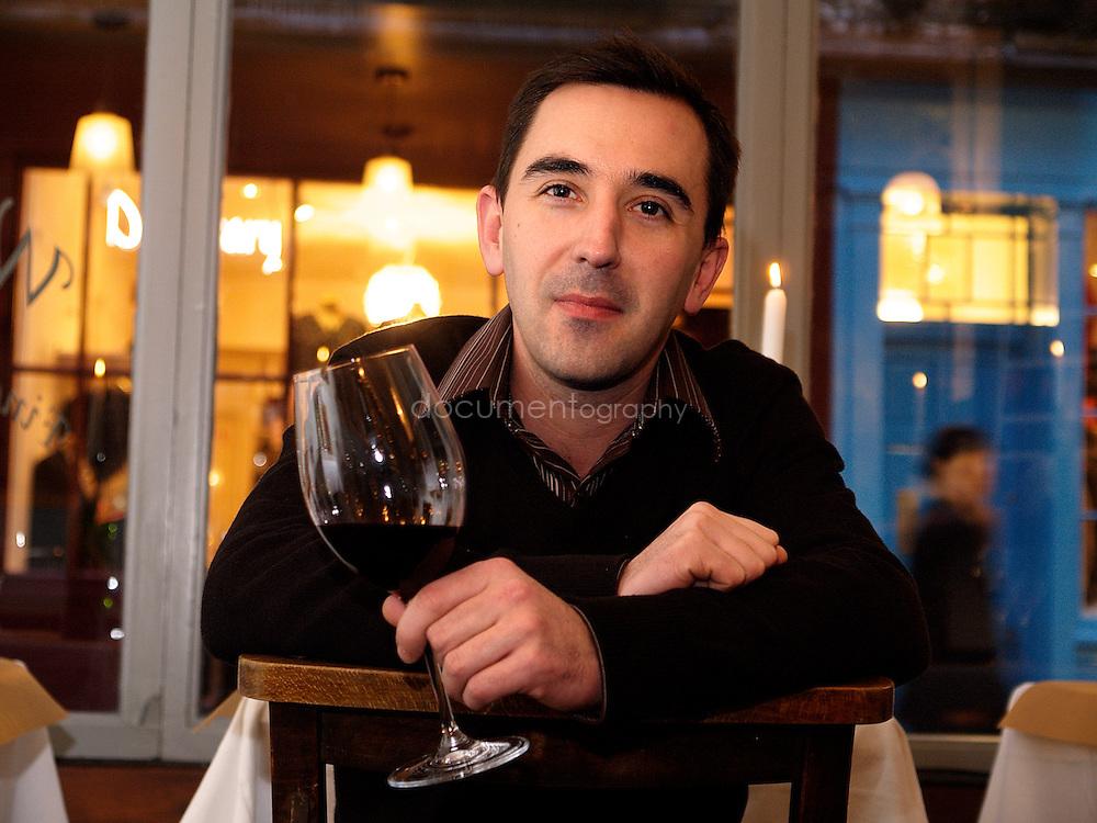 Guillaume Siard, au winebar/restaurant La Trouvaille dont il est l'un des fondateurs. Londres, UK, Janvier 2006.