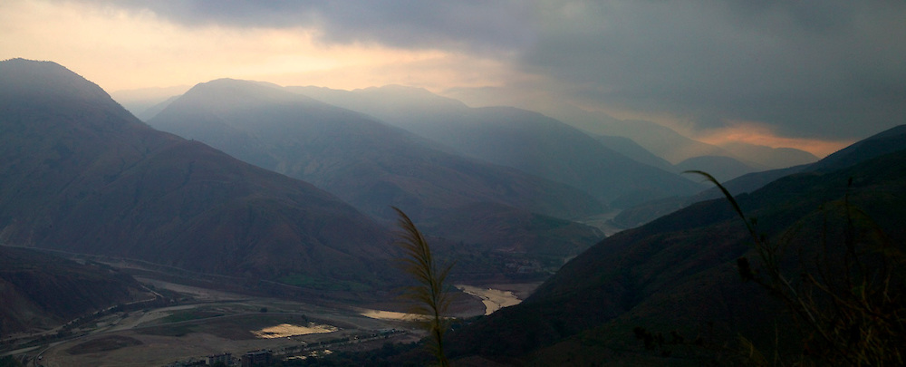 Landscape of Red River flowing through mountain valleys, Yuanyang, Yunnan, China