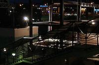 trappeoppgang på en togstasjon, stairs in a train station