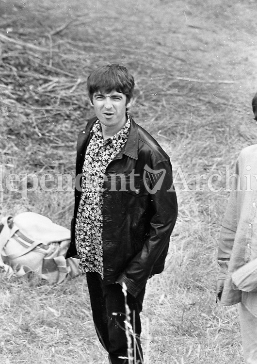 Oasis at Slane before there concert, 22/07/1995 (Part of the Indeoendent Newspapers Ireland/NLI Collection).