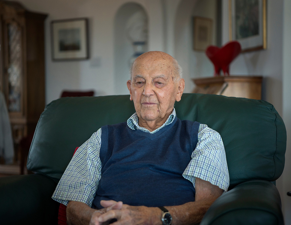em040617e/jnorth/Joe Bergstein, survivor of the Bataan Death March and prison camp, talks about his experience in WWII at his home in Los Alamos. Photo shot Thursday April 6, 2017. (Eddie Moore/Albuquerque Journal