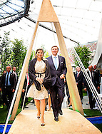 WARSCHAU - King Willem-Alexander and Queen Maxima of The Netherlands visit the National Stadion for the conference ''innovations: solutions for a common future'' with themas as smart cities, water area and rural area in Warsaw, Poland, 25 June 2014. After the conference the royals attend a business meeting. The king and queen are in Poland for their first state visit 24 and 25 june.  COPYRIGHT ROBIN UTRECHT