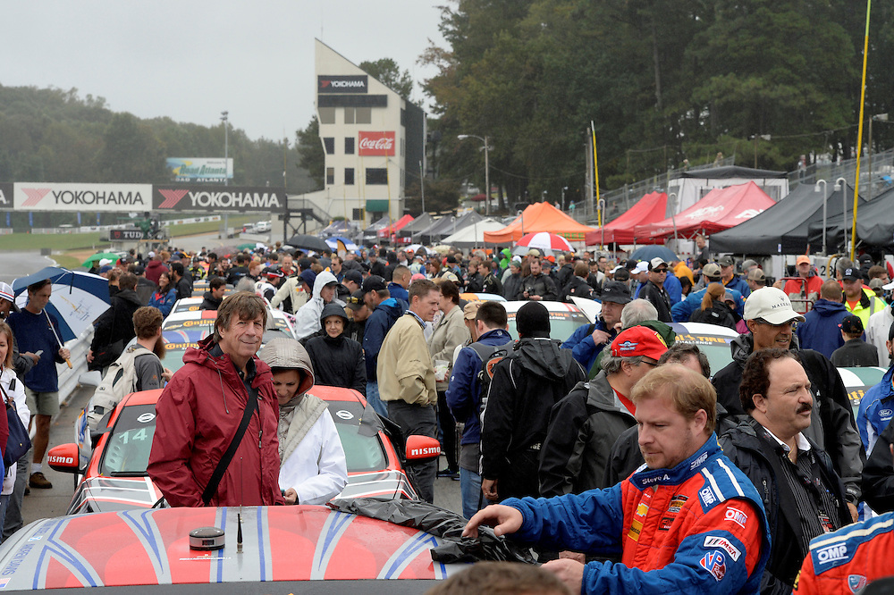 30 September - 2 October, 2015, Braselton, Georgia USA<br /> Pre-race grid, atmosphere<br /> &copy;2015, Scott R LePage <br /> LAT Photo USA