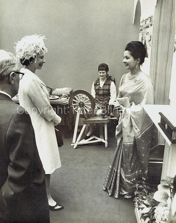 Iranganie Gunatillake &amp; 'Her Majesty'<br /> Scottish Daily Mail