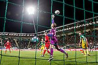 DEN HAAG - ADO Den Haag - FC Twente , Voetbal , Seizoen 2015/2016 , Eredivisie , Kyocera Stadion , 04-03-2016 , Redding van FC Twente keeper Nick Marsman