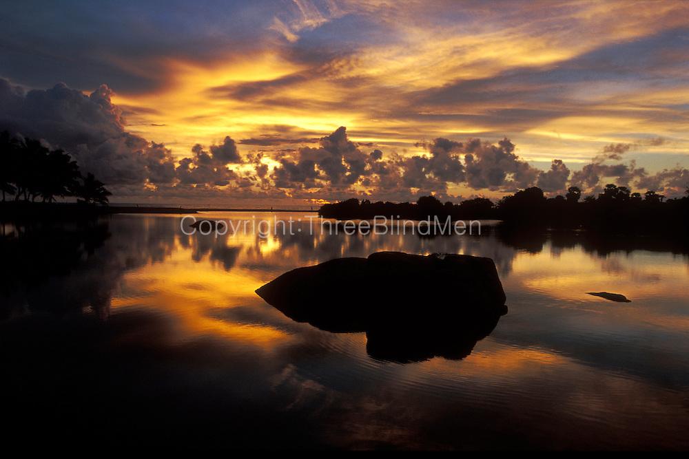 SRI LANKA.Sunrise at Komari..March 2003