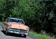 16/07/14 - GERGOVIE - PUY DE DOME - FRANCE - Essais FORD Crestline Victoria Skyliner de 1954 - Photo Jerome CHABANNE