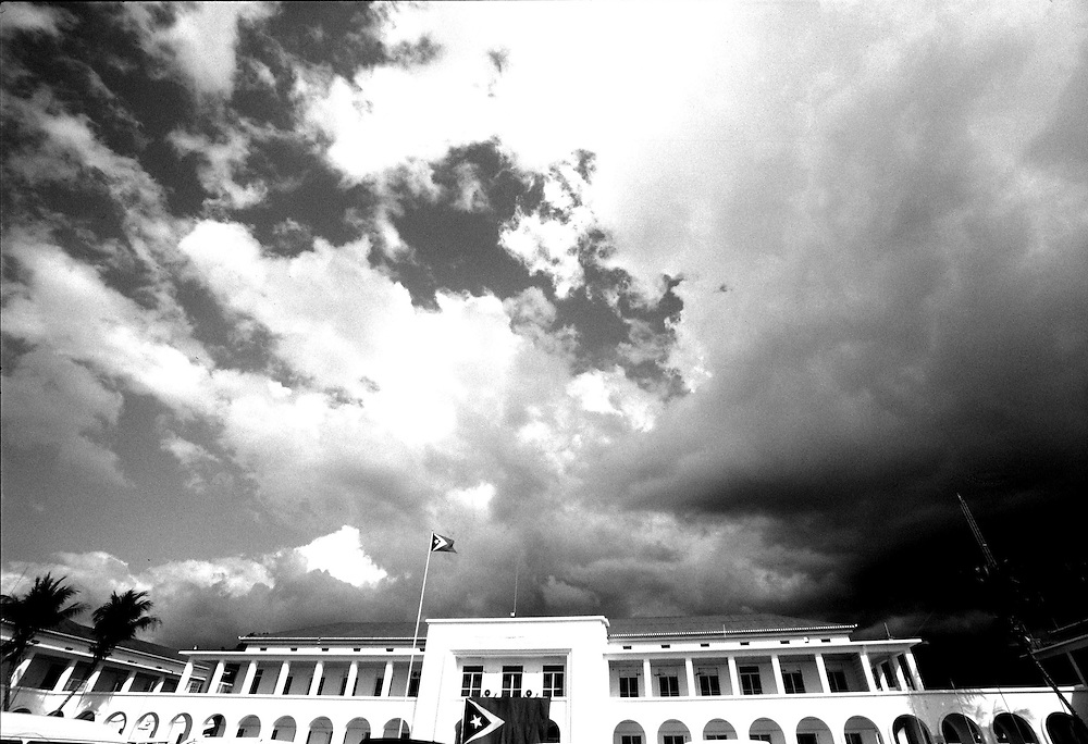 Governement Palace in Dili before a storm. @ Martine Perret. 17 May 2002