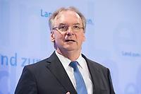 16 MAR 2017, BERLIN/GERMANY:<br /> Reiner Haseloff, CDU, Ministerpraesident Sachsen-Anhalt, waehrend einer Pressekonferenz nach einer Sitzung der Ministerpraesidentenkonferenz, Bundesrat<br /> IMAGE: 20170316-02-007<br /> KEYWORDS: Ministerpr&auml;sidentenkonferenz, MPK