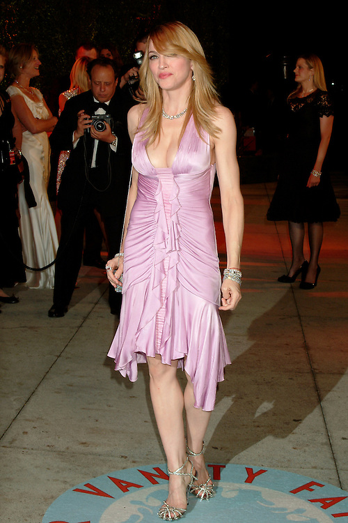Madonna arriving at the Vanity Fair Oscar Party 3/05/2006.