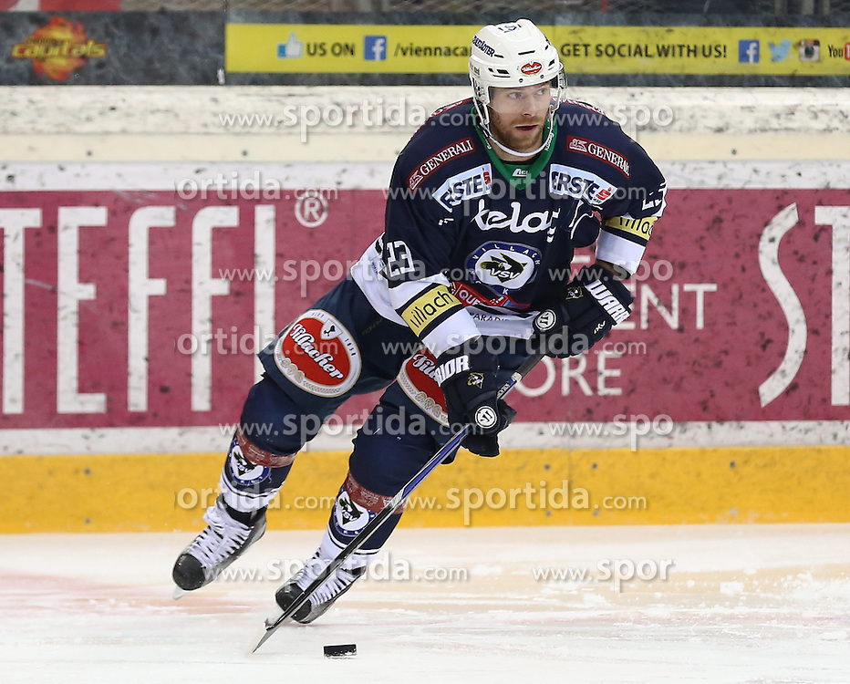 28.12.2015, Albert Schultz Halle, Wien, AUT, EBEL, UPC Vienna Capitals vs EC VSV, 36. Runde, im Bild Markus Schlacher (EC VSV) // during the Erste Bank Icehockey League 36th round match between UPC Vienna Capitals and EC VSV at the Albert Schultz Halle in Vienna, Austria on 2015/12/28. EXPA Pictures © 2015, PhotoCredit: EXPA/ Alexander Forst