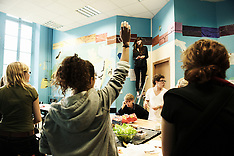 Self-managed schools in Paris and Le Mans (May 2011)