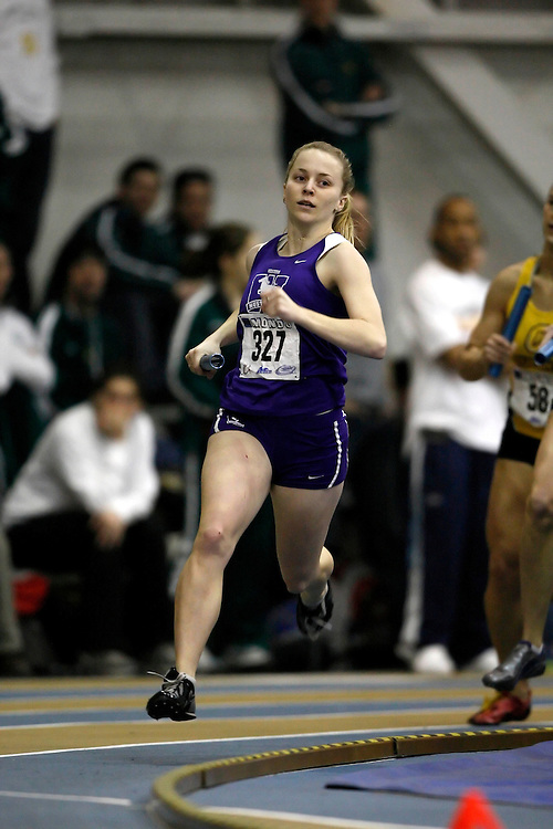 Windsor, Ontario ---14/03/09--- Lisa Grieve of  the University of Western Ontario competes in the 4x400m relay at the CIS track and field championships in Windsor, Ontario, March 14, 2009..Claus Andersen Mundo Sport Images