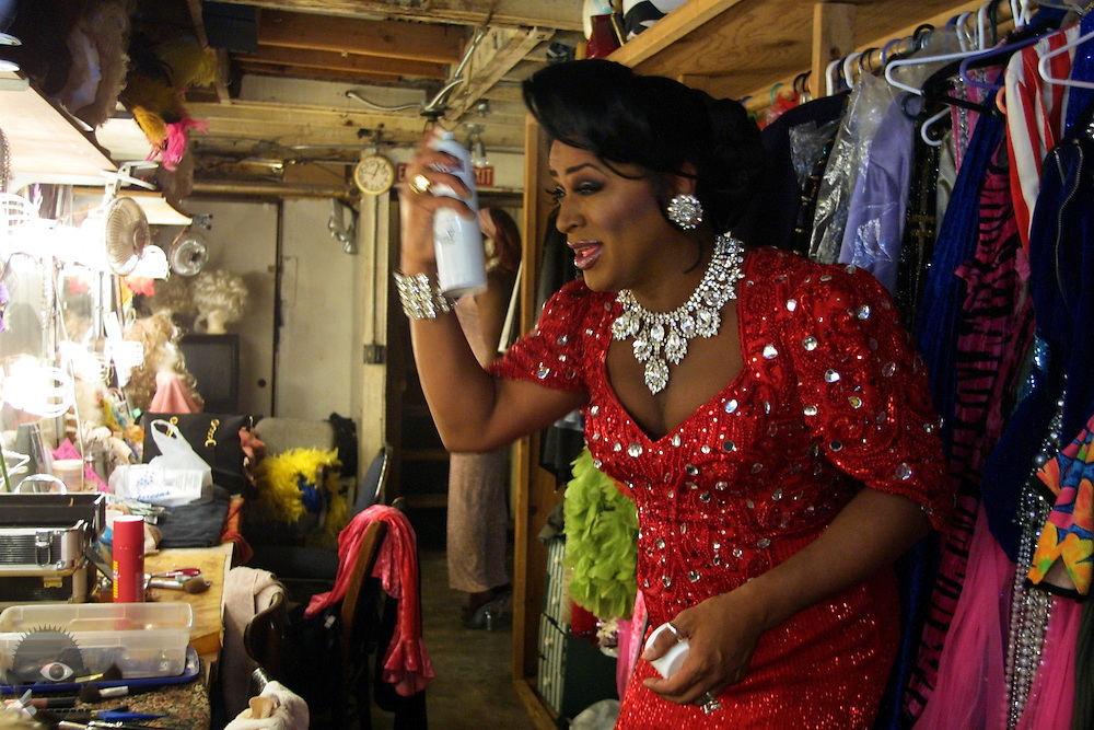 May 17, 2003 - Kevin Clark (aka Poison Waters) readies himself backstage at Darcelles IV in Portland, Oregon. It is the longest running drag show in town and features many lavish costumes and over -the -top performances.