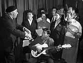 """1961 - Rehearsal for """"Sceal ar Phadraig"""" new play at Damer Hall"""