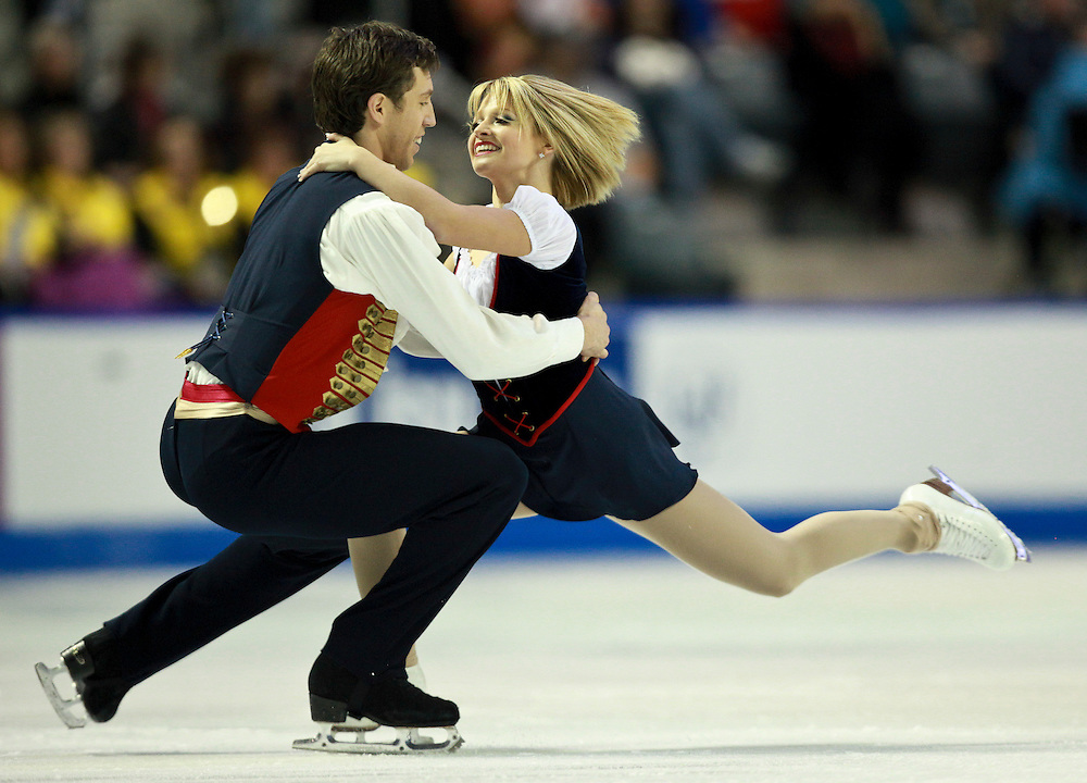 20101030 -- Kingston, Ontario -- Kirsten Moore-Towers and Dylan Moscovitch of Canada skate their free skate in the pairs competition at Skate Canada International in Kingston, Ontario, Canada, October 30, 2010. <br /> AFP PHOTO/Geoff Robins