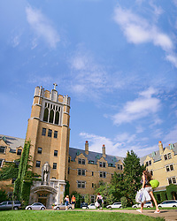Aug. 18, 2005; Move-in day at Saint Mary's College<br /> <br /> Photo by Matt Cashore