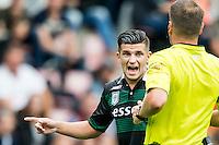 EINDHOVEN - PSV - FC Groningen , Voetbal , Seizoen 2015/2016 , Eredivisie , Philips stadion , 16-08-2015 , FC Groningen speler Bryan Linssen (l) in discussie met Scheidsrechter Danny Makkelie (r)