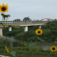 A view of the Gateway Bridge, which connects Brownsville, TX and Matamoros, Mexico, seen from the side of Brownsville, TX on April 21, 2010. (Photo/Scott Dalton)