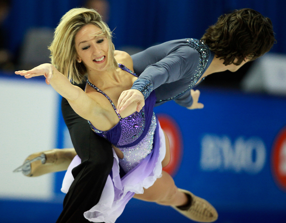 20101031 -- Kingston, Ontario -- Silver medalists Sinead and John Kerr of Britain skate their free dance program at Skate Canada International in Kingston, Ontario, Canada, October 31, 2010. <br /> AFP PHOTO/Geoff Robins