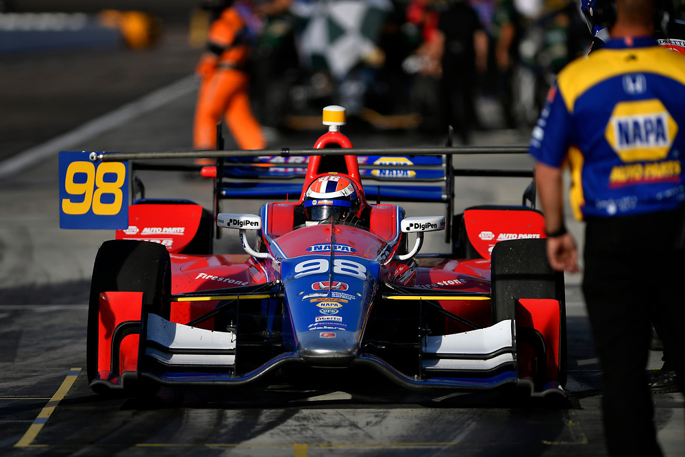 Verizon IndyCar Series<br /> Desert Diamond West Valley Phoenix Grand Prix<br /> Phoenix Raceway, Avondale, AZ USA<br /> Friday 28 April 2017<br /> Alexander Rossi, Andretti Herta Autosport with Curb-Agajanian Honda<br /> World Copyright: Scott R LePage<br /> LAT Images<br /> ref: Digital Image lepage-170428-phx-556