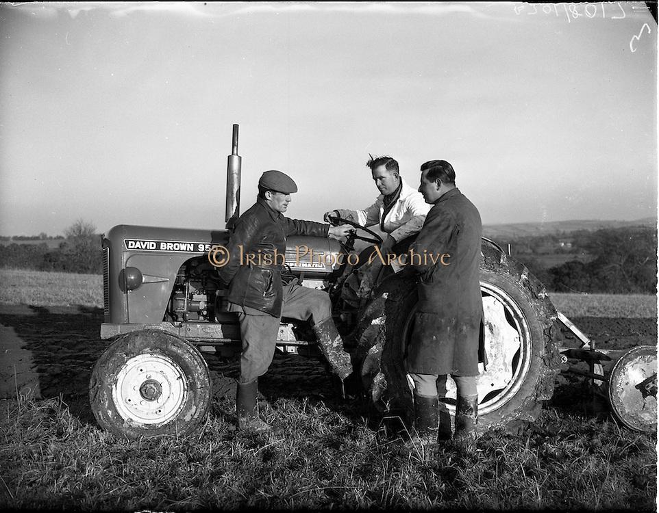 110/01/1961.01/10/1961.10 January 1961.Tractor demonstration David Brown 950 at Multyfarnham Co. Meath.