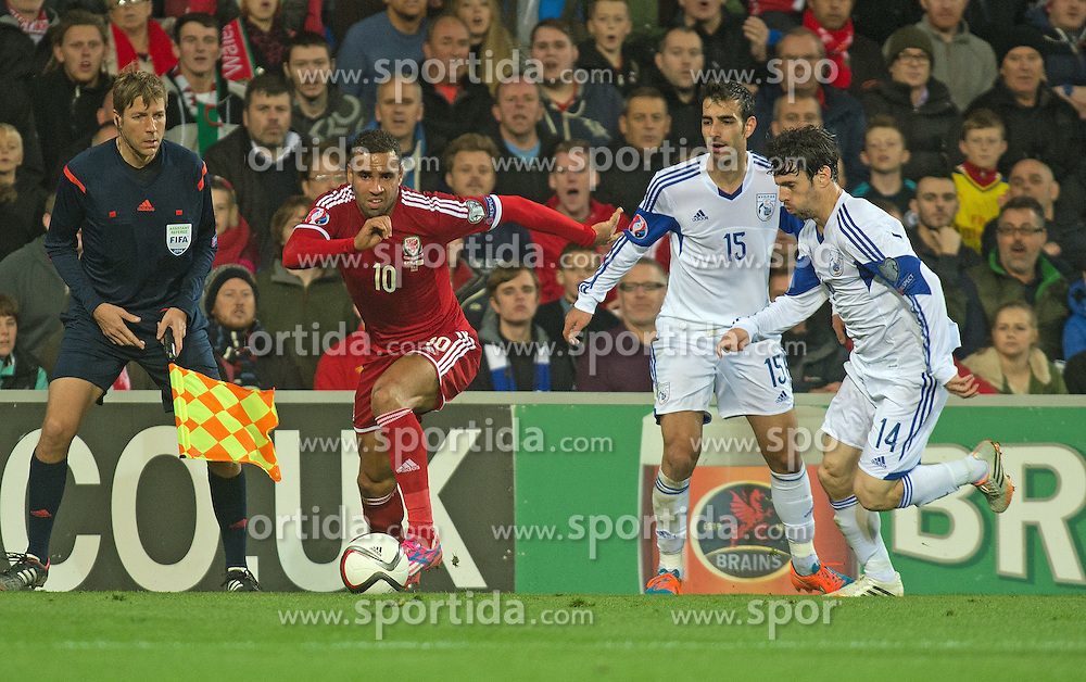 13.10.2014, City Stadium, Cardiff, WAL, UEFA Euro Qualifikation, Wales vs Zypern, Gruppe B, im Bild Wales Hal Robson-Kanu in action against Cyprus // 15054000 during the UEFA EURO 2016 Qualifier group B match between Wales and Cyprus at the City Stadium in Cardiff, Wales on 2014/10/13. EXPA Pictures &copy; 2014, PhotoCredit: EXPA/ Propagandaphoto/ Ian Cook<br /> <br /> *****ATTENTION - OUT of ENG, GBR*****
