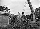1958 - 25/07 Statue of Lord Carlisle destroyed at Phoenix Park