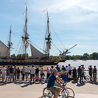 French frigate Hermione arriving in Bordeaux from America. She became famous in 1780 when she brought general Lafayette to America in support of the Rebels in the American Revolutionary War.
