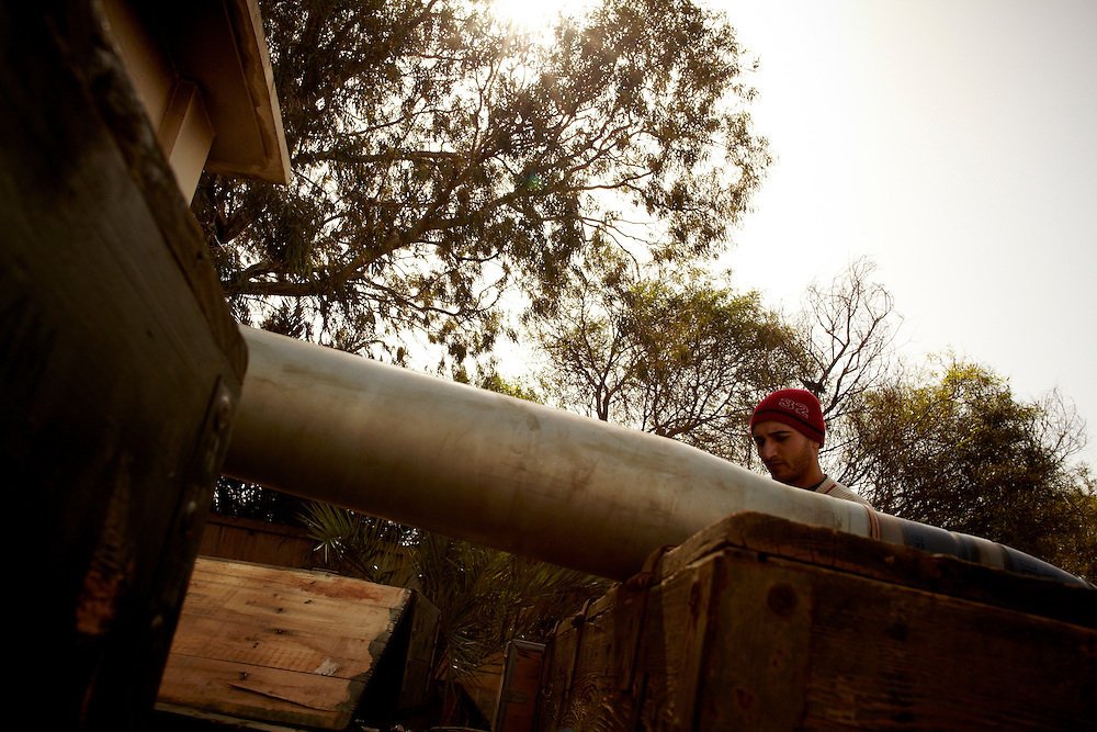 Benghazi, Libya, 01.03.11..Soliders and rebels prepare munitions for their fighting men and for the defense of the east...Photo by: Eivind H. Natvig/MOMENT