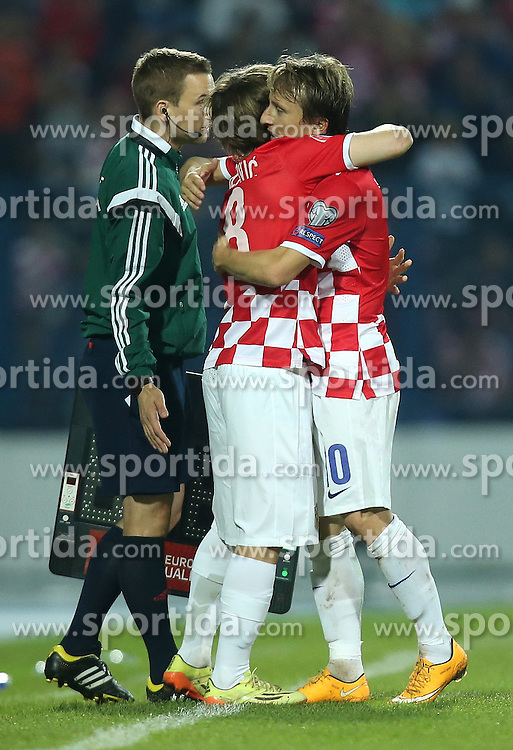 13.10.2014, Stadion Gradski vrt, Osijek, CRO, UEFA Euro Qualifikation, Kroatien vs Aserbaidschan, Gruppe H, im Bild Alen Halilovic, Luka Modric // during the UEFA EURO 2016 Qualifier group H match between Croatia and Azerbaijan at the Stadion Gradski vrt in Osijek, Croatia on 2014/10/13. EXPA Pictures &copy; 2014, PhotoCredit: EXPA/ Pixsell/ Igor Kralj<br /> <br /> *****ATTENTION - for AUT, SLO, SUI, SWE, ITA, FRA only*****