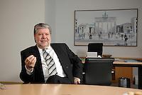 08 JAN 2007, BERLIN/GERMANY:<br /> Kurt Beck, SPD Parteivorsitzender und Ministerpraesident Rheinland-Pfalz, waehrend einem Interview, in seinem Buero, Willy-Brandt-Haus<br /> Kurt Beck, Party Leader of the Social Democratic Party, during an interview, in his office, Willy-Brandt-Haus<br /> IMAGE: 20070108-01-063<br /> KEYWORDS: Ministerpr&auml;sident