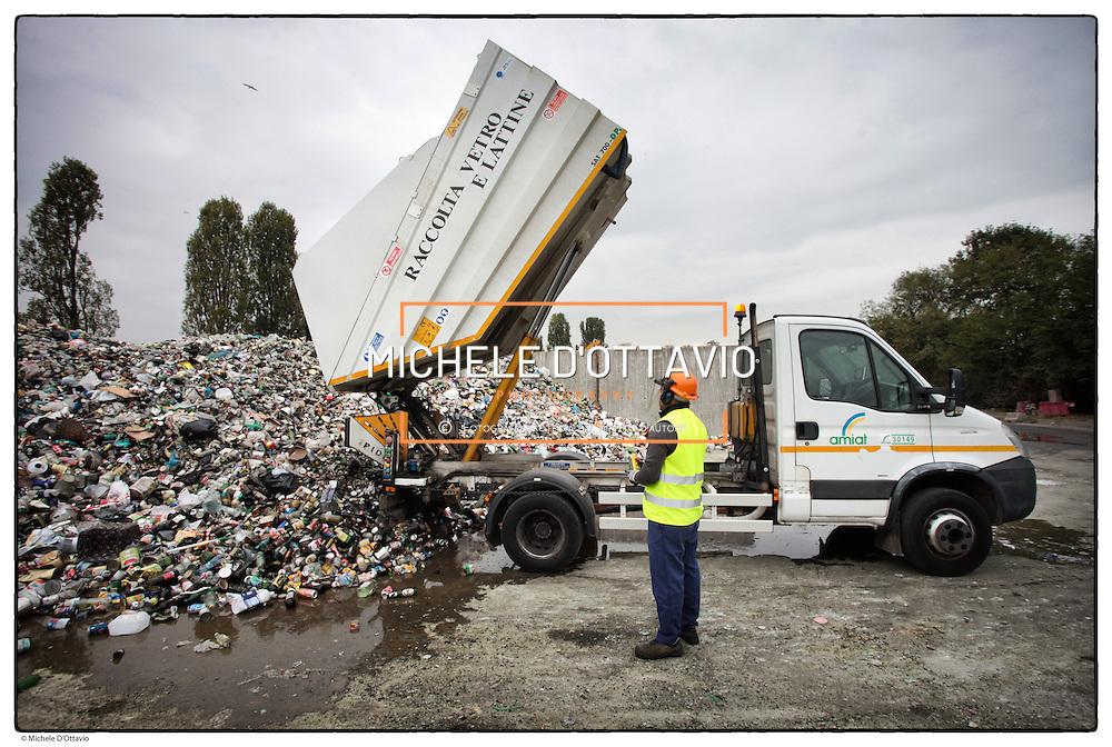 Amiat vetro Amiat  (acronimo di Azienda Multiservizi Igiene Ambientale Torino) è una società per azioni che eroga i servizi d'igiene del suolo, di raccolta e smaltimento rifiuti per la città di Torino