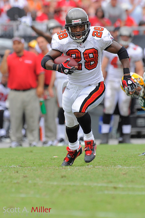 Tampa Bay Buccaneers running back Warrick Dunn (28) in action against the Green Bay Packers at Raymond James Stadium  on Sept. 28, 2008 in Tampa, Fla.        ...©2008 Scott A. Miller
