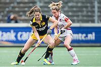 AMSTERDAM - Amsterdam - Den Bosch , Wagener Stadion , Hockey , Play-off hoofdklasse hockey , 03-05-2015 , Den Bosch speelster Marloes Keetels (l) in duel met Amsterdam speelster Ellen Hoog (r)