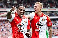 ROTTERDAM - Feyenoord - Willem II , Voetbal , Seizoen 2015/2016 , Eredivisie , Stadion de Kuip , 13-09-2015 ,  Speler van Feyenoord Eljero Elia (l) scoort de 1-0 en viert dit met Speler van Feyenoord Rick Karsdorp (r)
