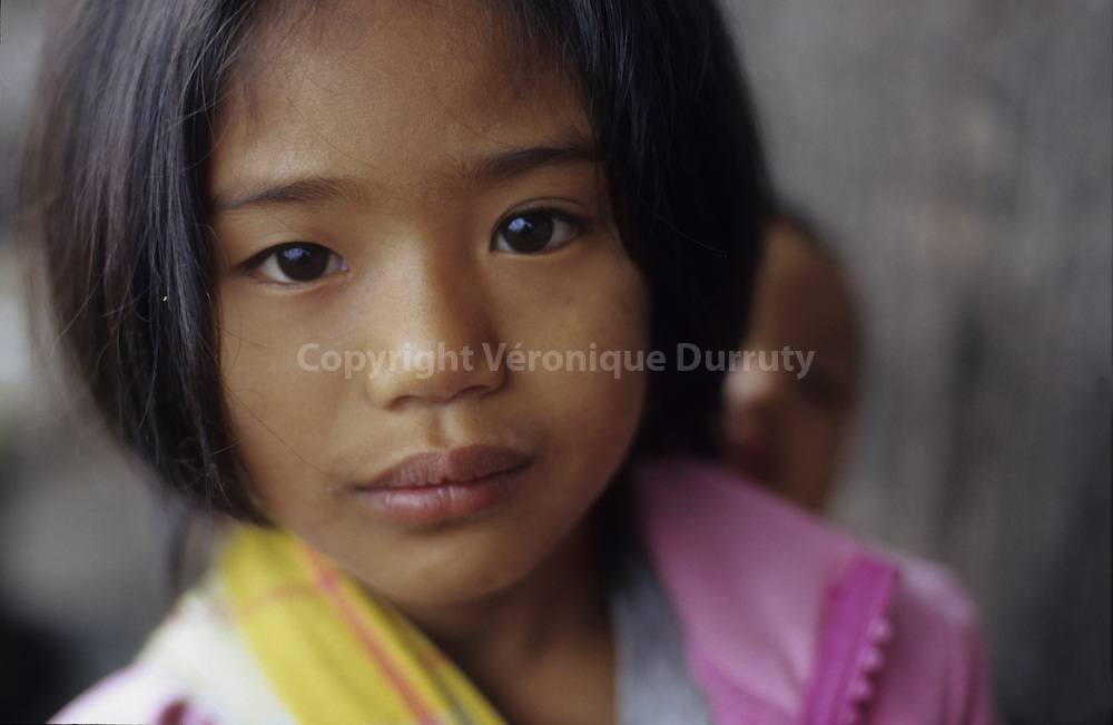 KALINGA - HEAD HUNTERS TRIBE- LITTLE GIRL, LUZON ISLAND, THE PHILIPPINES