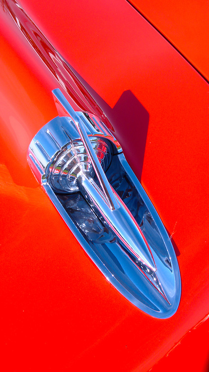 Hood ornament shaped as rocket