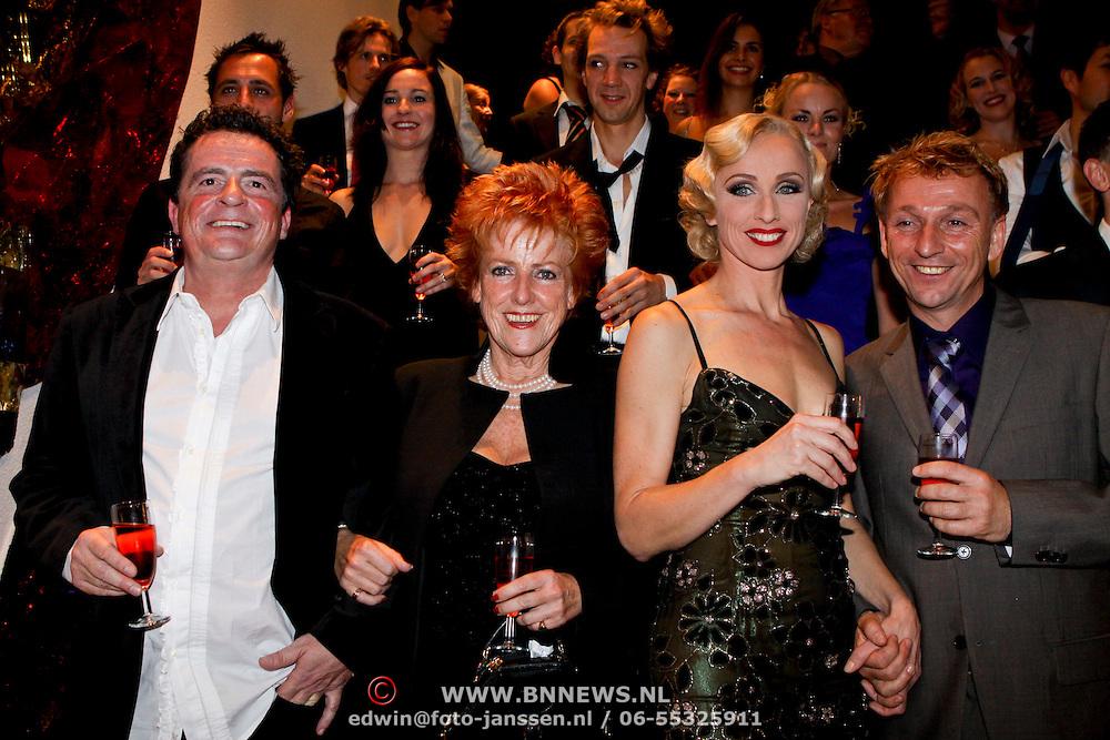 NLD/Eindhoven/20081012 - Premiere Cabaret, Johnny Kraaykamp, Pamela Teves, Ellen Evers en Dick Cohen