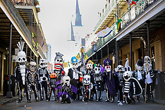 09feb16-Mardi Gras Skeletons