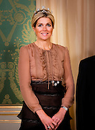 01-10-2013 Gala Queen Maxima and King Willem-Alexander and President of Israel, Shimon Peres, pose for the media before the statebanquet at palace Noordeinde in The Hague COPYRIGHT ROBIN UTRECHT/POOL